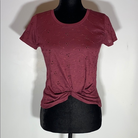 NWT Francesca's Inverted Knot Eyelet Maroon Top